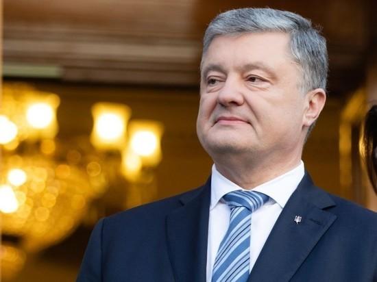 Порошенко в прямом эфире подписал закон об украинском языке