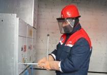 Энергетики восстанавливают электроснабжение в Железняках