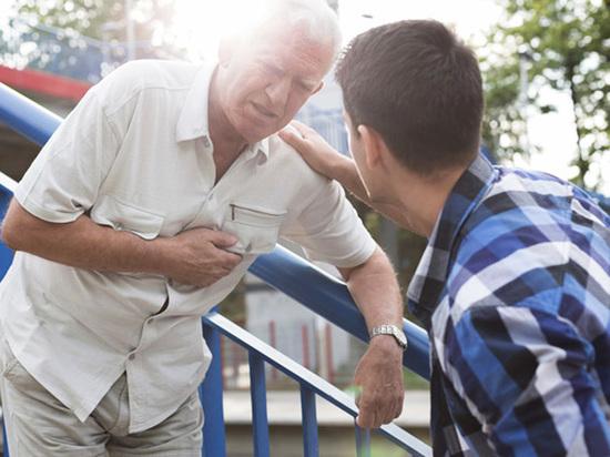 Одна из причин инфарктов - безалаберность и медицинская неграмотность людей