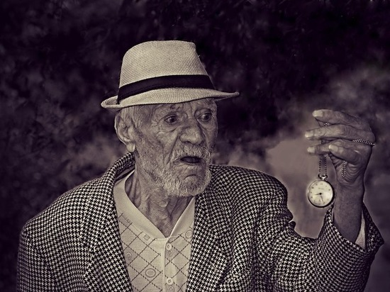 Ученые: причина ускоренного старения кроется в напряженной работе