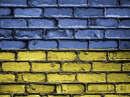 2b3f5b537d329508750529ff9f05af5e - Эксперт назвал причину введения Украиной новых антироссийских санкций