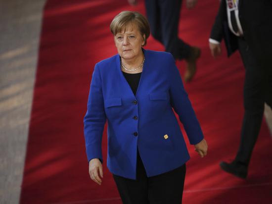 """Меркель: Еврокомиссия не сможет остановить """"Северный поток — 2"""""""