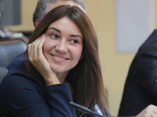 Пиарщица омского губернатора покидает свой пост