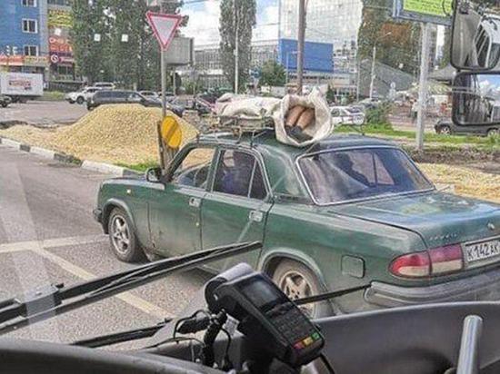 """Мертвеца катали по Воронежу на крыше """"Волги"""""""