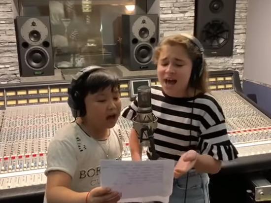 Дочь Алсу спела с побежденным финалистом