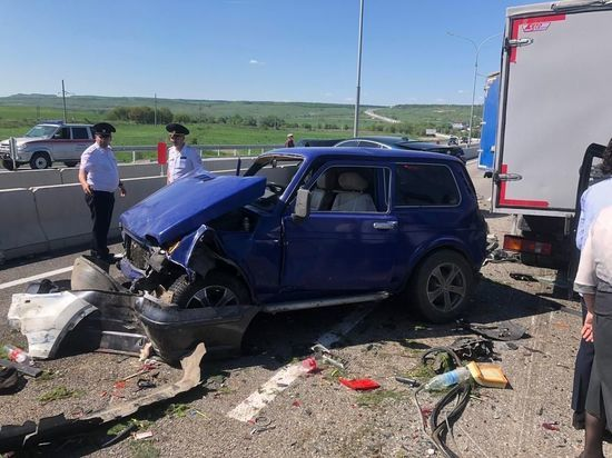 На Кавминводах смертельное ДТП с 8 автомобилями парализовало движение
