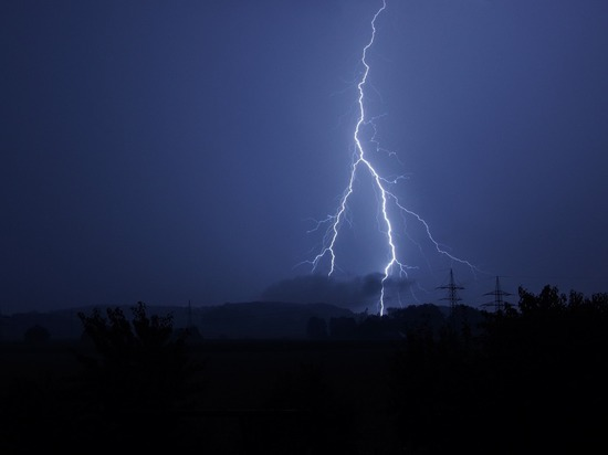 В Удмуртии от удара молнии погиб человек
