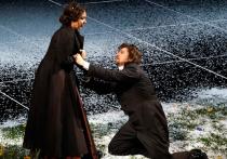 Новая версия Чайковского в Большом: Онегин с медвежьей головой