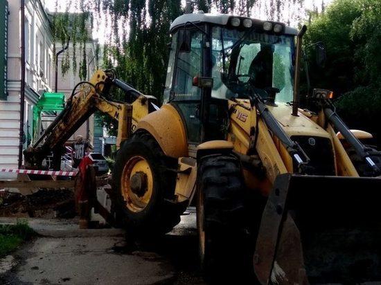 В Кирове на улице Свободы ремонтируют теплотрассу: движение перекрыто