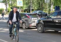 Уполномоченный по правам ребенка в Ярославской области оседлал велосипед