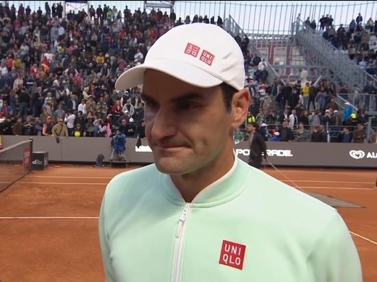 Федерер снялся с теннисного турнира в Риме