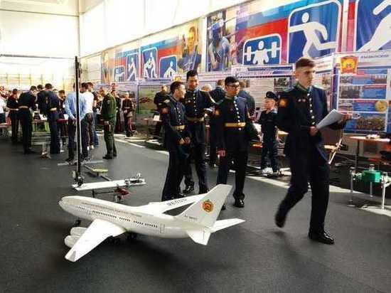 В Туле наградили юных разработчиков военной техники