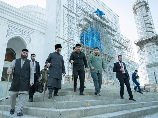 Самую большую мечеть в Европе отрокроют в Чечне в конце лета
