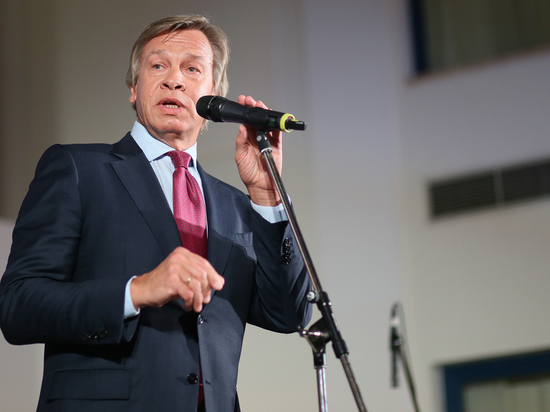 Пушков назвал белибердой слова Зеленского о возвращении Крыма