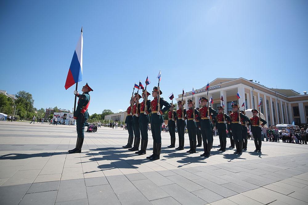 """""""МК"""" гуляет на празднике в Королёве: ярмарка, парад, спорт и концерт"""