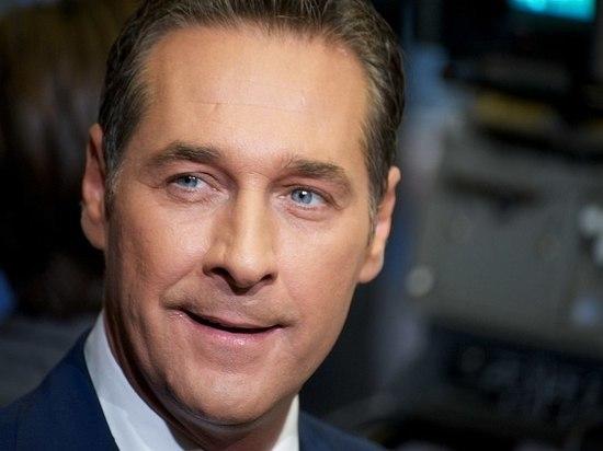 Вице-канцлер Австрии: в скандале замешана гражданка Латвии, а не России