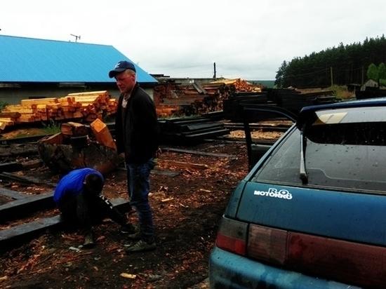 В Свердловской области сотрудники полиции открыли стрельбу, чтобы остановить водителя ВАЗ-2112