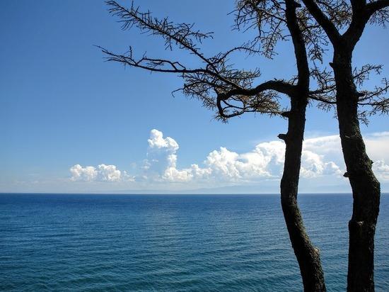 В Бурятии запретили ловить рыбу в заливе Байкала