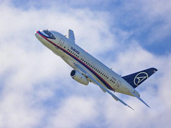 Superjet 100 в Ульяновске прервал полет из-за неполадок при взлете
