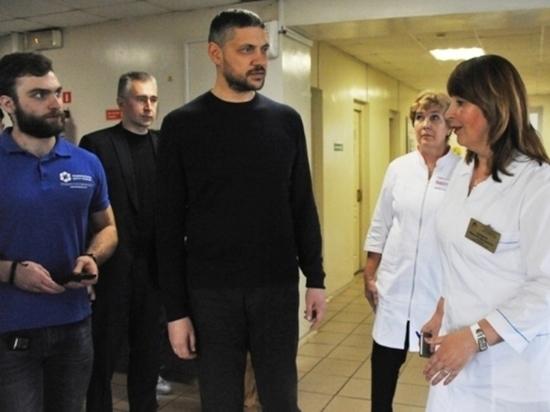 Осипов поблагодарил врачей, набирающих детей для лечения в Москве