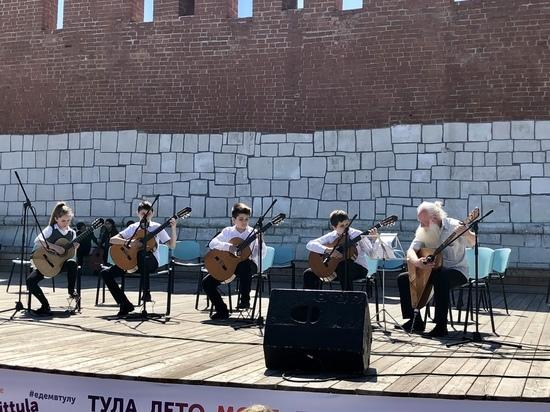 Куда подевалась крыша со сцены на Казанской набережной в Туле