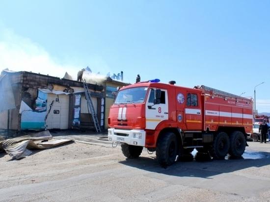 Сегодня в Улан-Удэ взрывались баллоны с газом и горела СТО