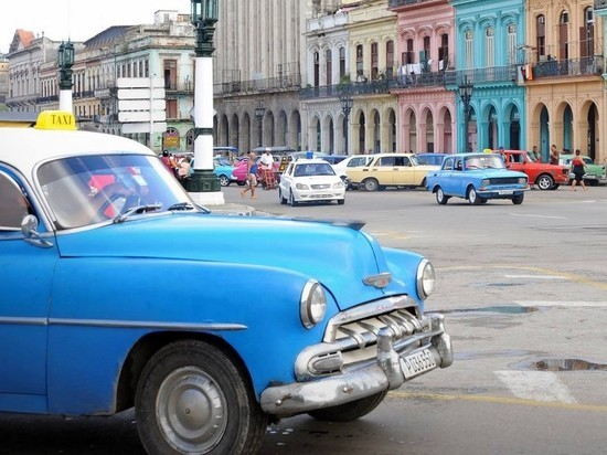 В Гаване ретроавтомобиль протаранил толпу: трое погибших