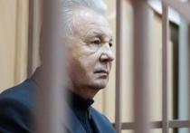 СК просит оставить экс-полпреда на Дальнем Востоке Ишаева под домашним арестом