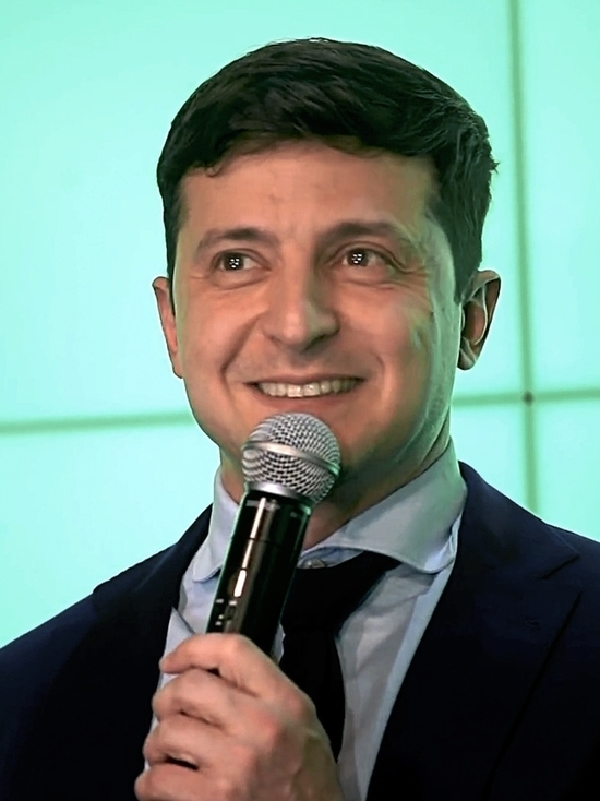 Избранный президент Украины вступает сегодня в должность