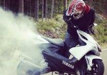 В Правдинском районе 16-летний скутерист слетел в кювет