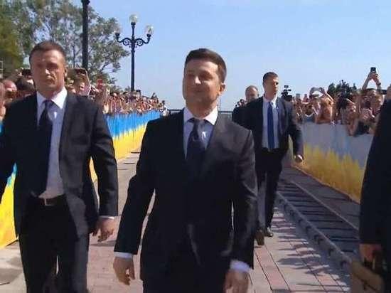 Зеленский заявил о готовности потерять должность ради мира в Донбассе