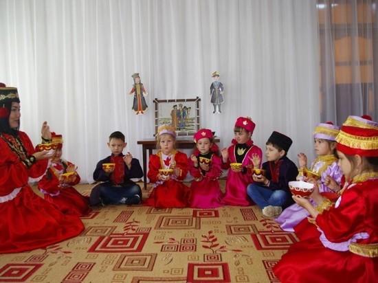 Калмыцким чаем угощали российских туристов