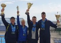 Калининградские таможенники стали чемпионами по плаванию