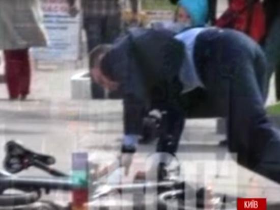 Кличко рухнул с велосипеда по дороге на инаугурацию Зеленского
