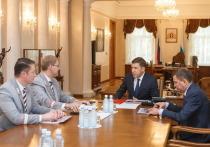 Куйвашев обсудил с начальником СвЖД Колесниковым совместные проекты