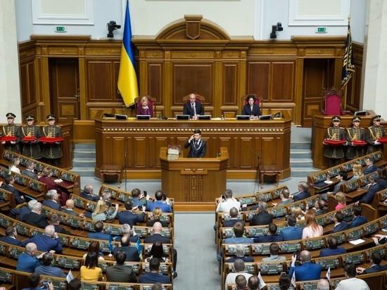 Зеленский впервые на посту президента заявил о