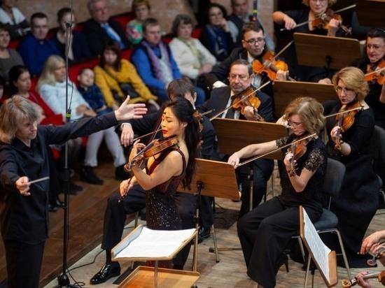 Омский оркестр услышали тридцать тысяч человек