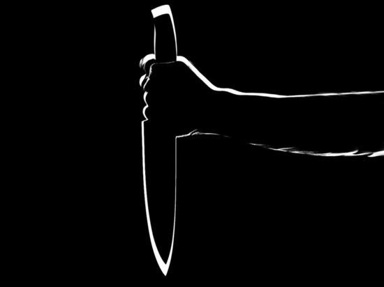 Жительница Кирова ударила 14-летнего сына ножом в