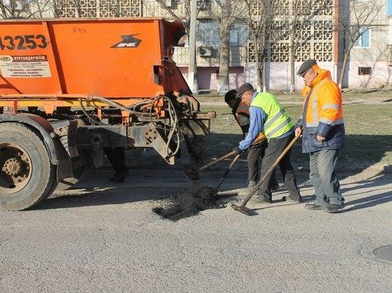 Ямочный ремонт в калмыцкой столице бесконечен