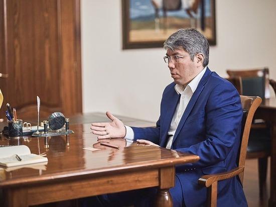 Глава Бурятии пообещал пригласить Путина на концерт старообрядцев