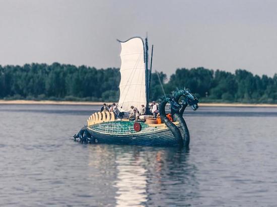 В Ярославле побывала древнерусская ладья «Горыныч»