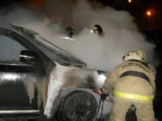 Ночной пожар в Вичуге уничтожил автомобиль