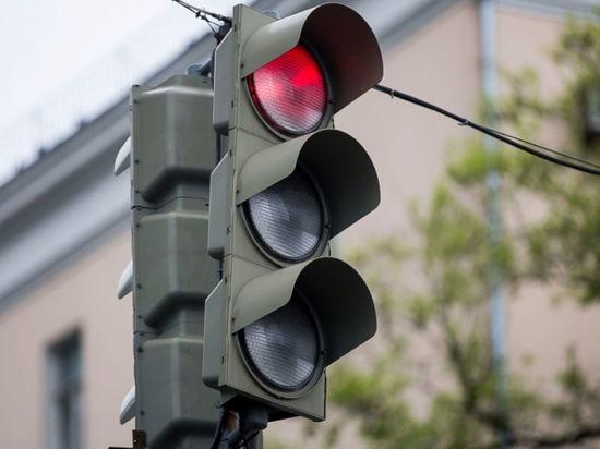 Так в 2019 году за счет бюджетных средств будут оборудованы светофорами шесть нерегулируемых пешеходных переходов:  — улица Романенко — ООТ «Ул