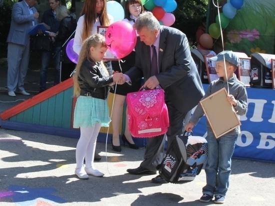 В Ульяновске собраться в школу помогут более чем 8000 ребятам