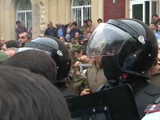«Отравление ртутью» политика привело к беспорядкам в Абхазии