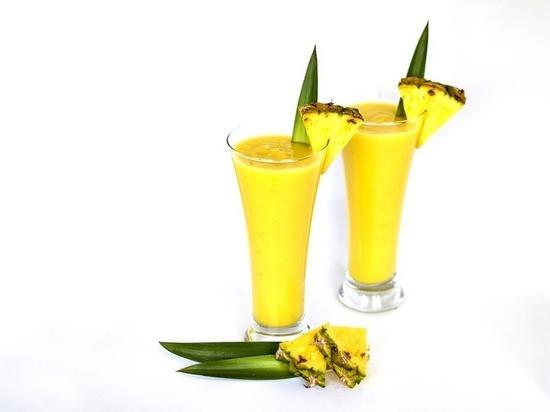 Ученые нашли в ананасовом соке вещества, продлевающие молодость