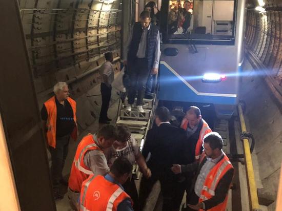 Названы две основные версии ЧП в Московском метрополитене