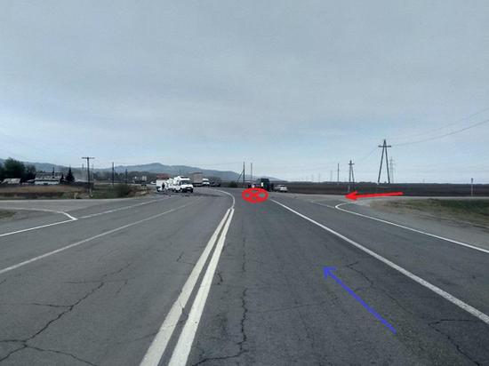 В Бурятии 72-летний водитель врезался в грузовик