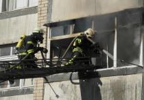 В Калининграде пожарные тушили балкон