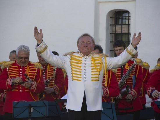 В «Ростовском кремле» туристов будет встречать духовой оркестр